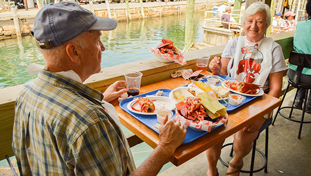 Couple eating outdoors Beal's Lobster